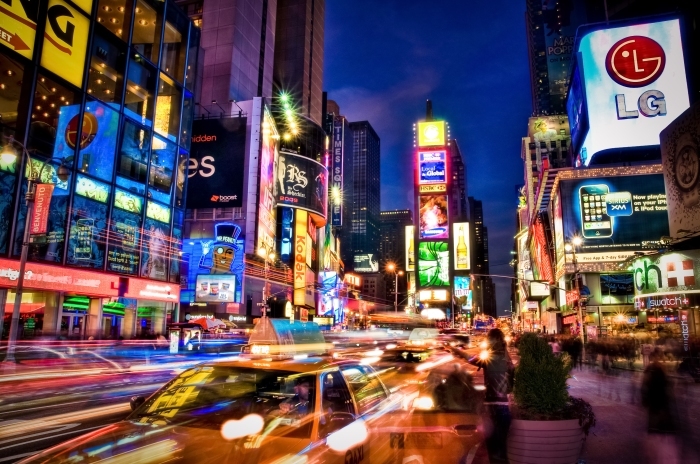 times-square-lights-how-to-blend-in--or-not--in-new-york-city---socialphy-x954wvol